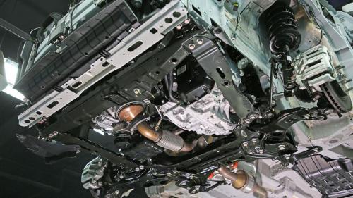 拆解长安CS75:安全方面配置丰富 做工扎实用料十足