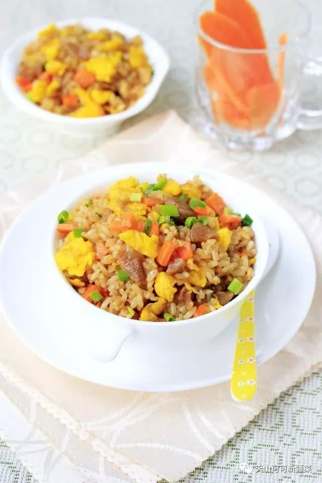 剩米饭最简单的吃法,粒粒香浓,这样搭配你一定没吃过