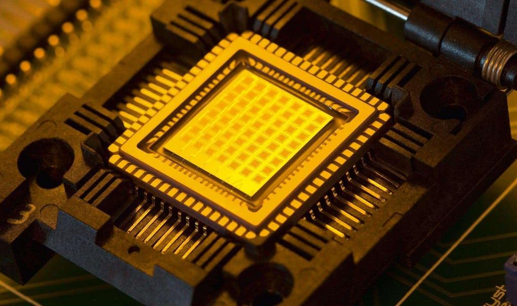 中国重金招纳芯片人才 台企封堵技术还告上美国法庭