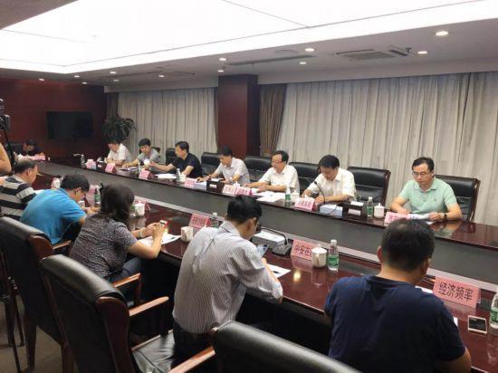 中秋节,芜湖市市长前往当地医院看望幼儿园学生(图)