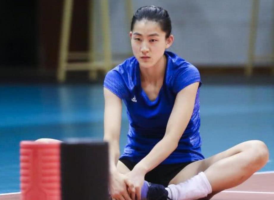 中国女排世锦赛最终14人参赛名单公布:刁琳宇最后时刻落选