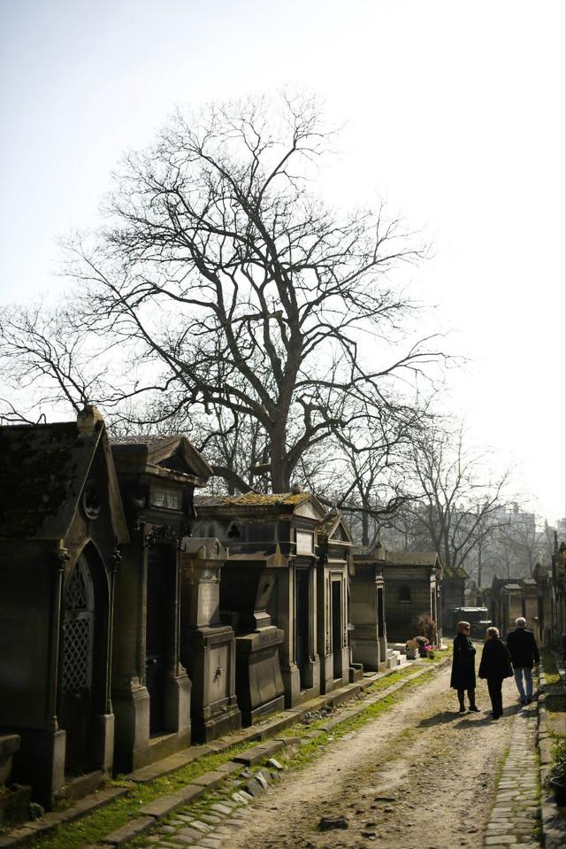 屌丝穷游欧洲记「全世界最著名的墓地」(VOL.345)