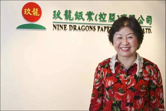 郭鹤年都买过她公司股票,她却靠收废纸发家,成了中国首位女首富