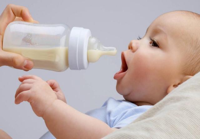 母乳中有200多种成分,为何奶粉只有几十种?剩下的模仿都做不