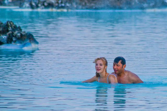 全球最大户外天然温泉,泉水像滚烫的牛奶,被称为天然美容院