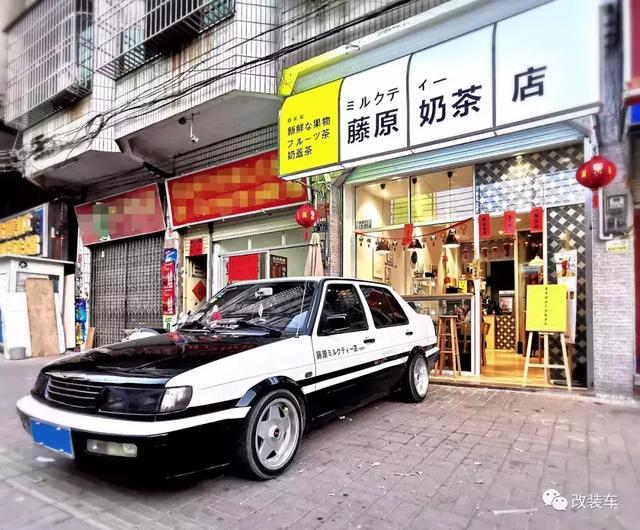 车友不仅开了一家藤原奶茶店,还拥有一辆藤原豆腐外卖车!