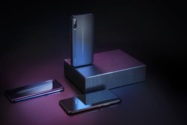 体现理财能力的时候到了!iQOO将是你对手机最好的投资!