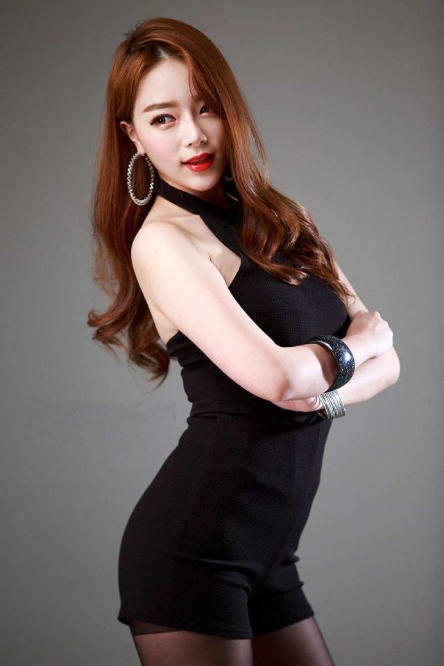 韩国排球女神婀娜身材显气质,不甘埋没于排球,今转型成职业模特