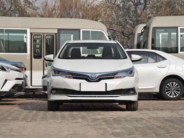 丰田正式进军新能源车,首款续航1千公里,比Model 3实用,接受吗