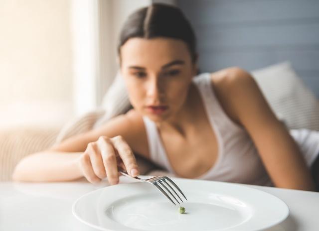 """减肥期间,请""""拒绝""""这四种高热量水果,不然会越减越肥-yy健康说"""
