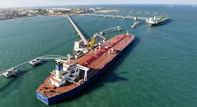 继日韩、中国两大油企后,另一亚洲大国停止进口伊朗原油!中国呢