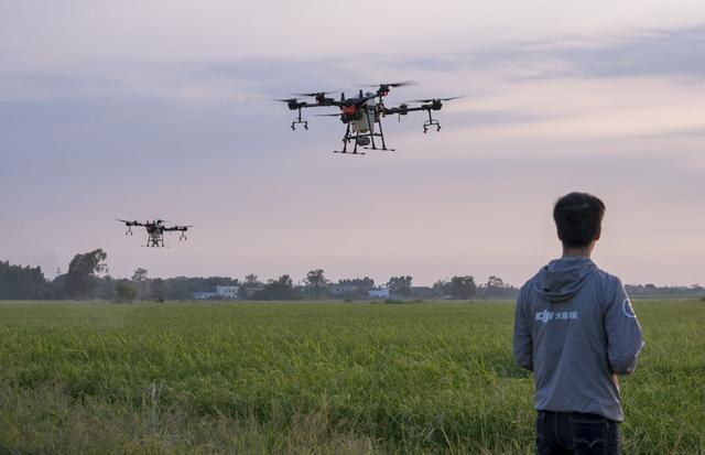 无人机产业变革前夜:政策加速洗牌,5G助力载人应用