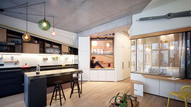 巴黎一车库改造成的公寓有着许多创意空间