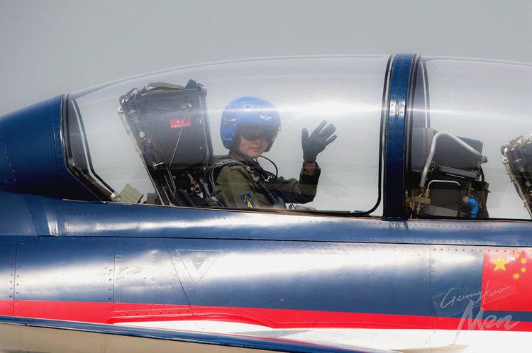 世界各国战机女飞哪家强?_俄罗斯招女飞行员