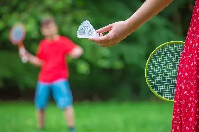 运动正确热身,避免受伤!羽毛球美女冠军王