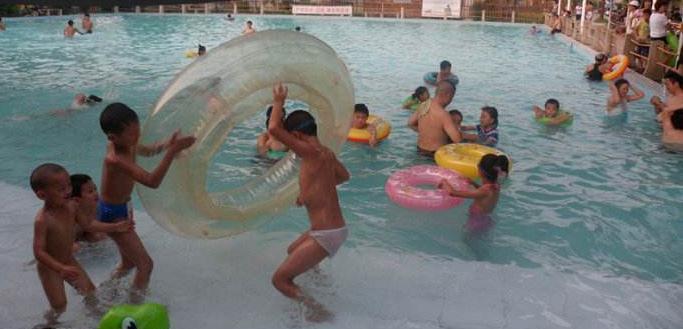 教孩子游泳,是为了自救!