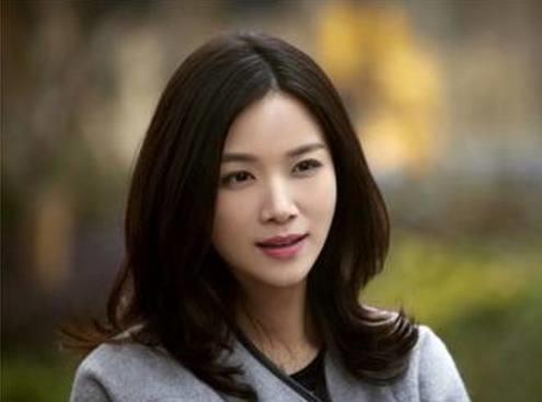 她长相酷似刘涛,却嫁入豪门当阔太,现成最幸福单亲妈妈