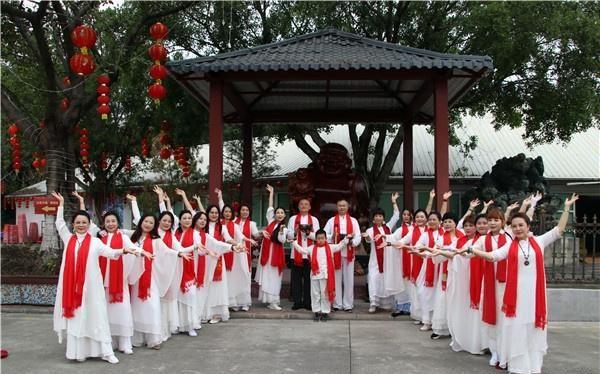 广州花都香草世界禅舞迎新年,提倡环保健康过春节