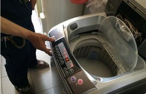 洗衣机有''隐藏开关'',只要打开,脏水自动流出,不怕越用越脏了