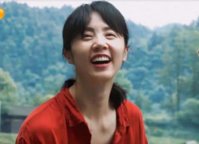黄磊老婆做客《向往》,听听张子枫对她的4字称呼,暴露真实关系