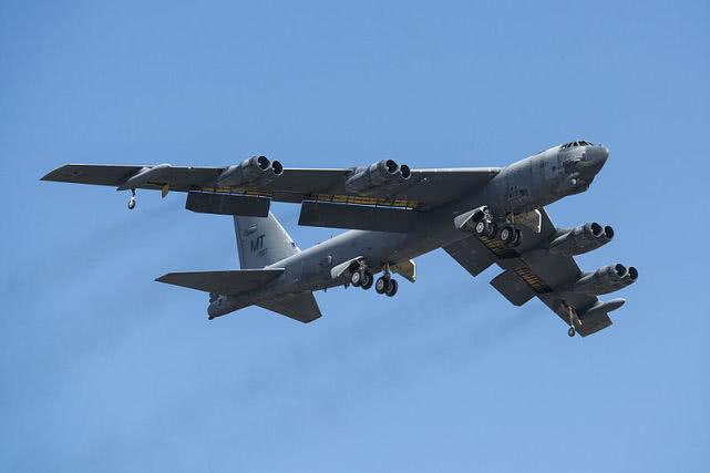 """移植F-15战斗机AESA雷达!美军B-52""""跨界""""要当史上最强反舰战机"""