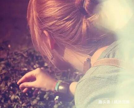 没有一个女子,是因为她的灵魂美丽而被爱的
