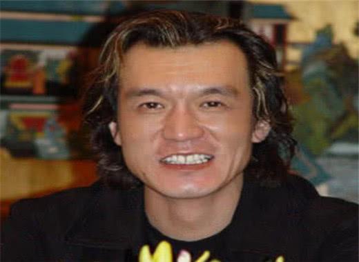 李咏去世,朱军含泪说出他不愿公布生病的原因,十个字让人泪目!