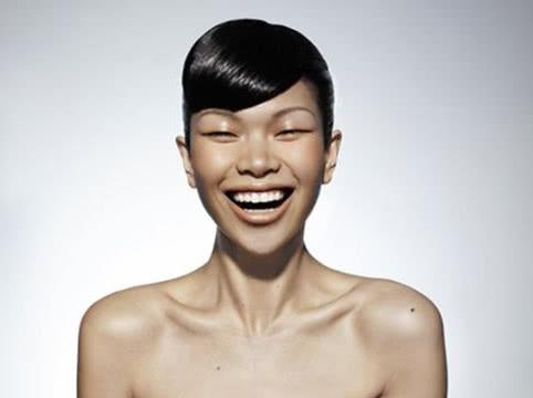 """她曾是""""中国丑小鸭"""",摇身一""""变"""",成为当今中国最红的超模"""
