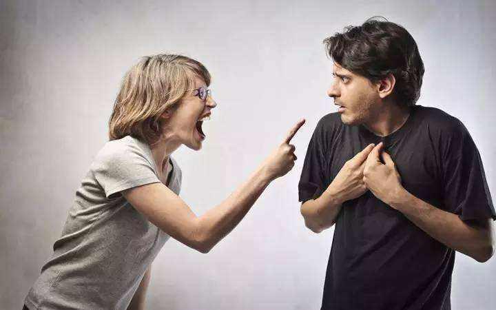 夫妻结婚十年、吵架男人从不道歉、这样的婚姻有必要继续吗