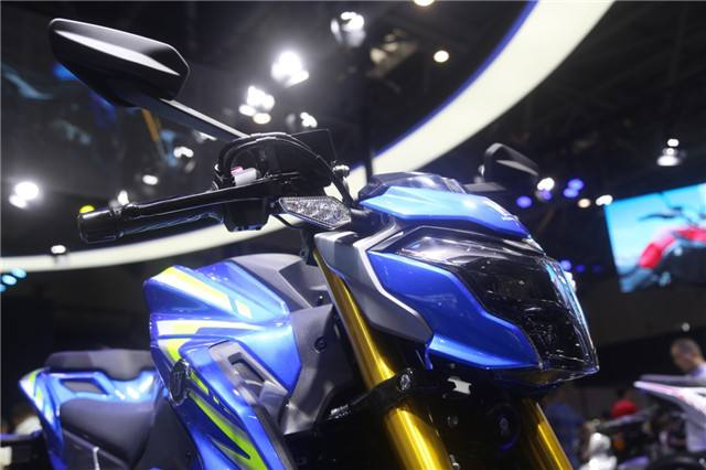 """豪爵携300CC级车型归来,""""双缸""""水冷动力配ABS,177KG预售2.2万"""