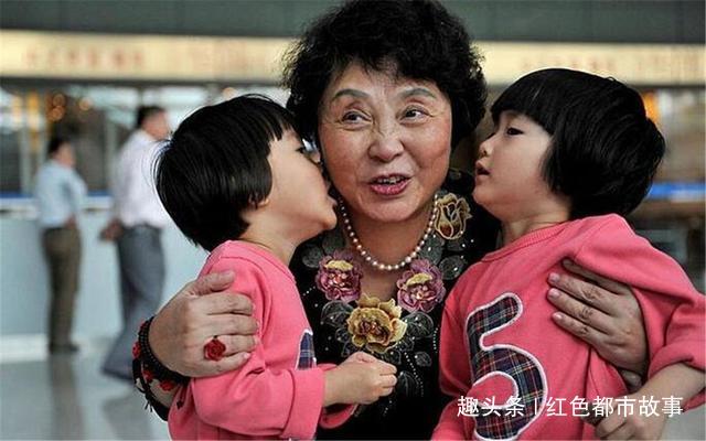 0岁失独母亲生下双胞胎女儿,9年过去,她的现状令人唏嘘