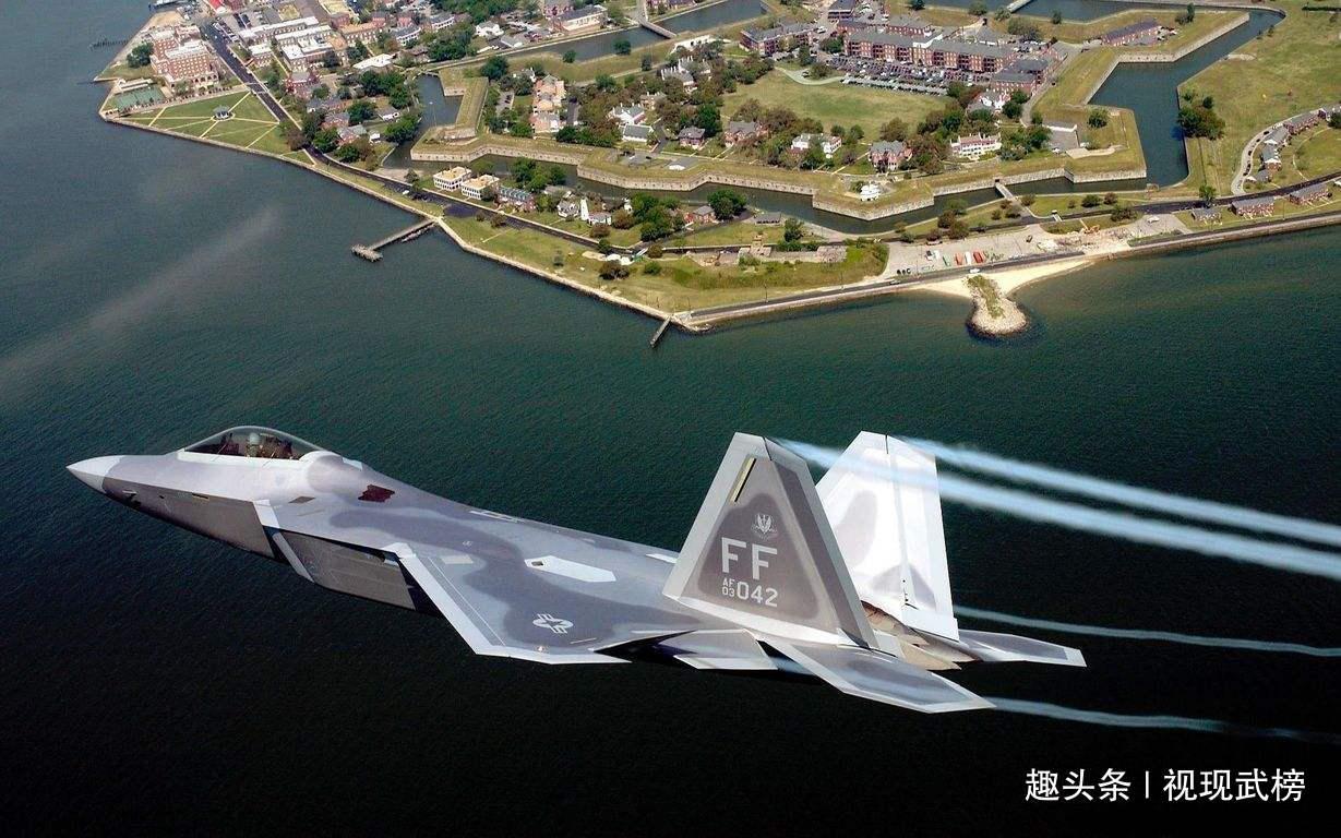 一触即发!大批军舰战机逼近中东地区,俄:发出警告