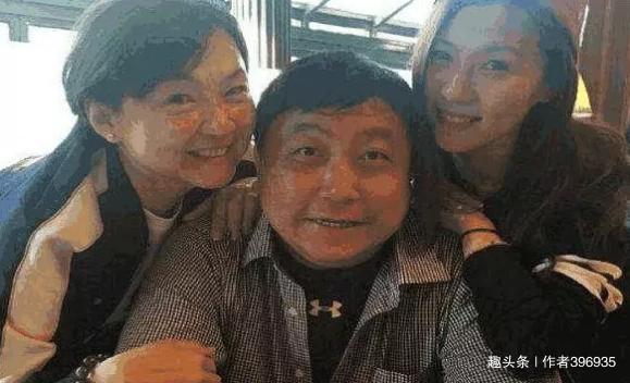 有烂片之王之称的导演王晶,他的妻子原来是长这样