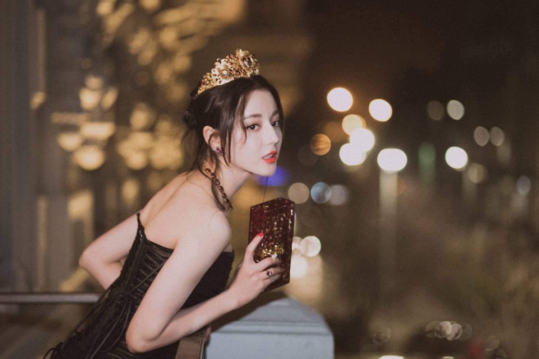 """娱乐圈纯天然女神!迪丽热巴因种族优越,刘亦菲""""祖传""""的美貌"""