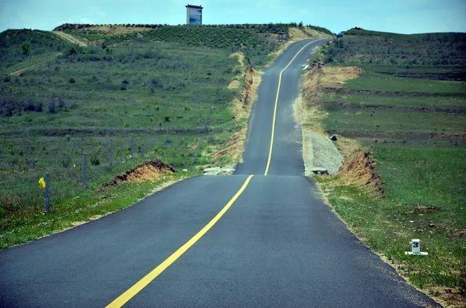 八月,我在新疆等你。