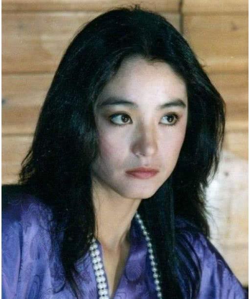 <b>林青霞亲妹妹近照,比她更像明星,是女人美的标准</b>