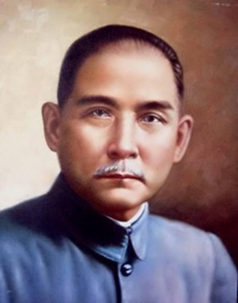 在他的领导下,推翻了清朝政府,中国历史性的改革诞生了