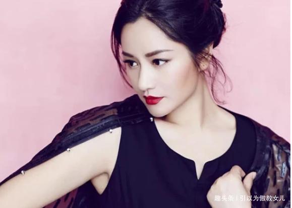 她曾是中国第一超模,今48岁身材走样长成贾玲,岁月不饶人