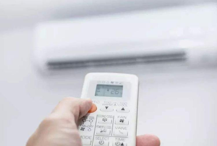 吹空调怕电费多?学会这3个小妙招,每月电费噌噌降