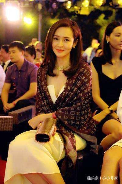 她31岁处于事业高峰期 嫁富豪老公后无绯闻生活幸福