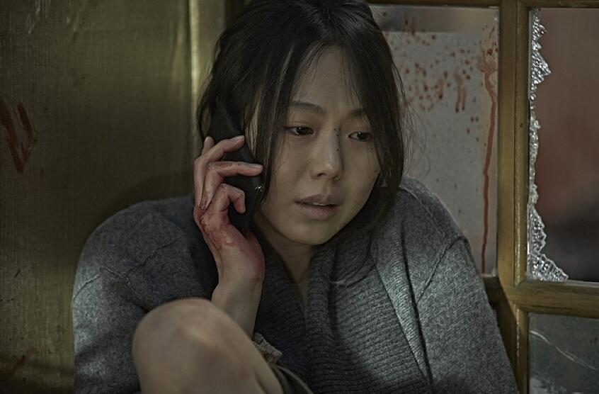 前夫半夜来电话,威胁我要钱,老公抢过电话,一句话我泪流满面!