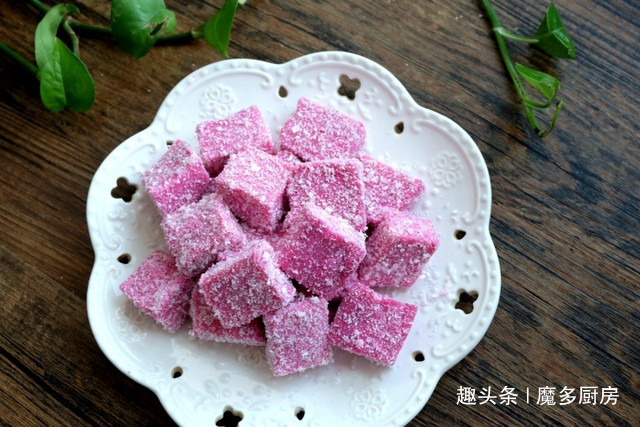 夏天的懒人甜品,自己做特简单,火龙果加奶粉,营养更健康
