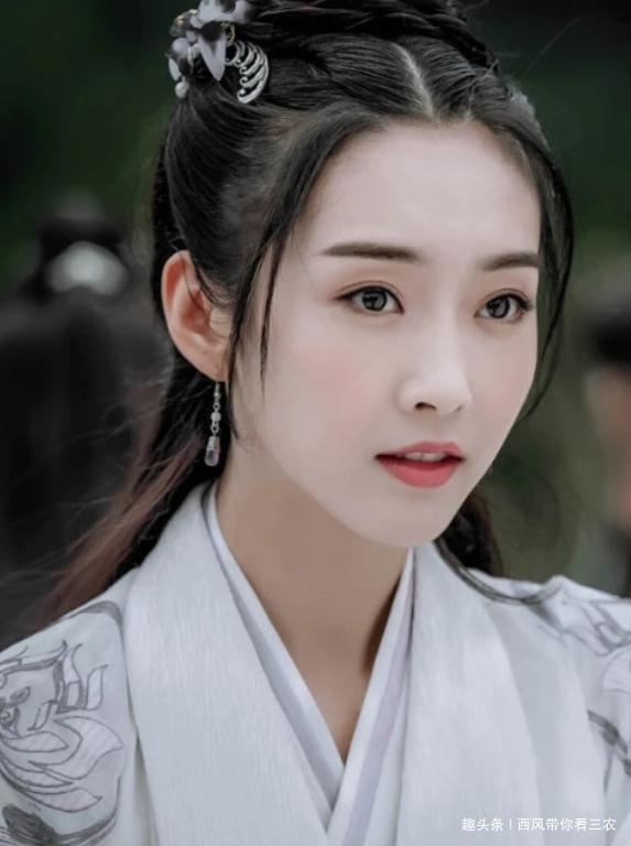 新晋古装女神,宣璐上榜,李一桐仅排第二,第一是童星出身的她