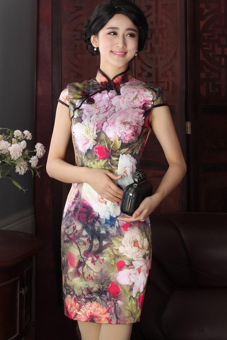 旗袍和汉服都是中华优秀传统文化,传汉服和旗袍的小姐姐们最美