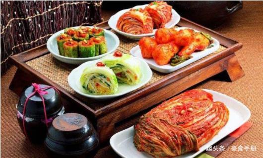 韩国人吐槽中国菜,泡面难吃?大家笑了,你们只适合吃泡菜吧?