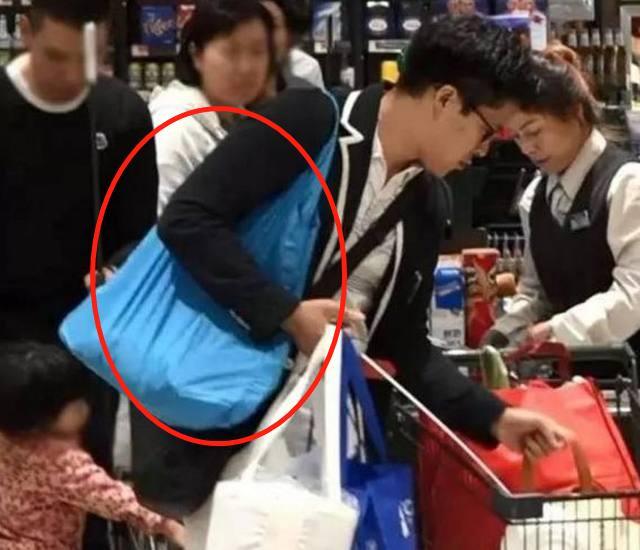 霍启刚超市买菜自带环保袋,受郭晶晶影响,接地气富豪