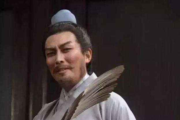 刘伯温不服诸葛亮,带人去挖其墓,看到第二块石碑时当场跪下