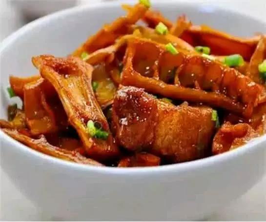 馋到流口水的几道家常菜,简单易做,鲜香入味,家人总吃个盘底光