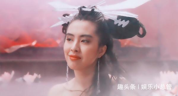 <b>52岁王祖贤近况曝光,风韵犹存,颜值吊打当红小花</b>