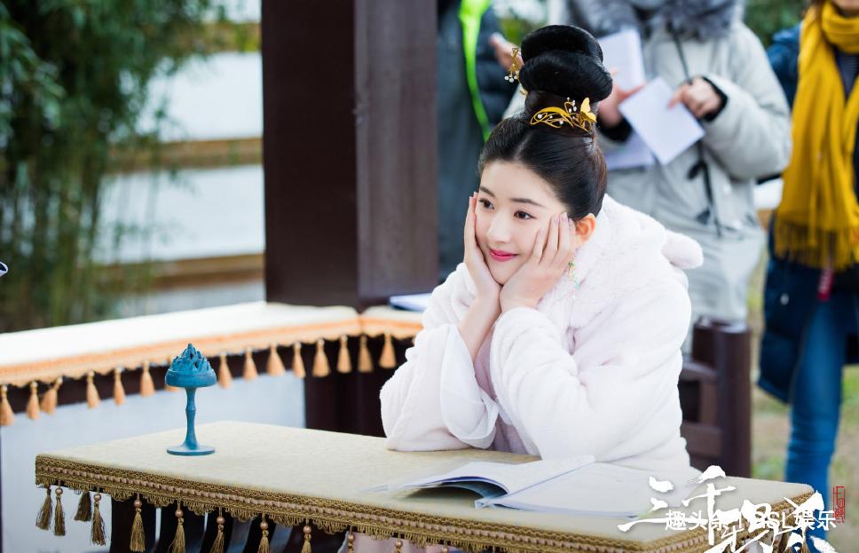 《春花秋月》还没结束,女主赵露思将迎新剧,男主颜值让人期待